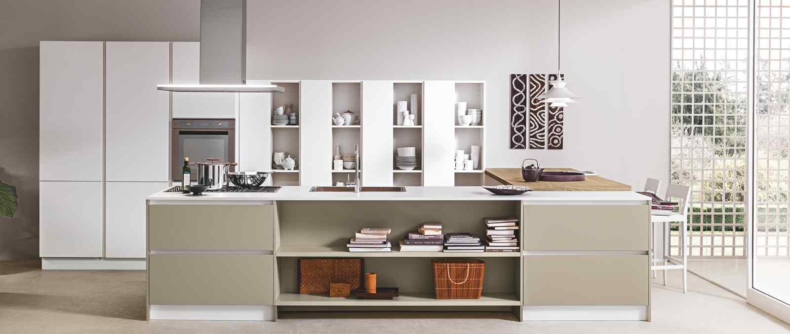 De style contemporain au design italien cette cuisine s'impose comme le cœur de la maison